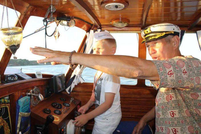 plaukimas laivu vaikams - jaunieji kapitonai