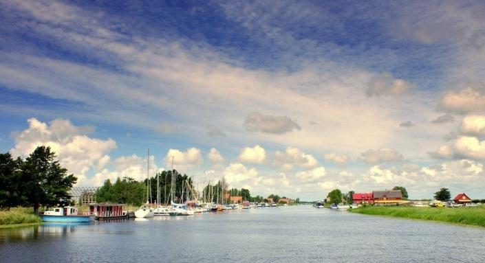 Mingės kaimas - mažoji Venecija - laivo nuoma