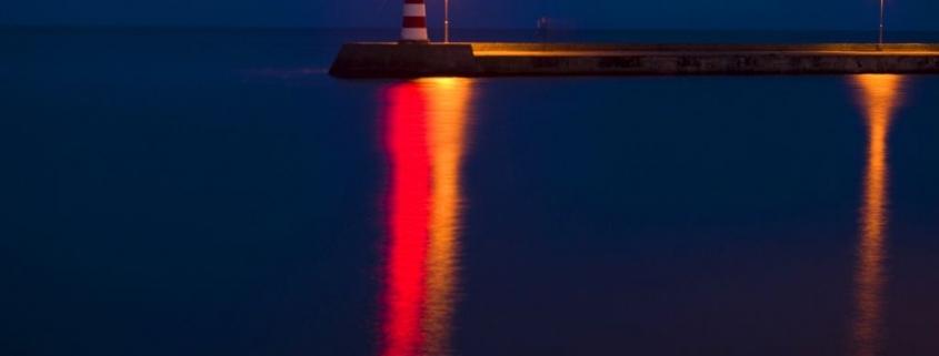Plaukimas naktį laivu Nidoje