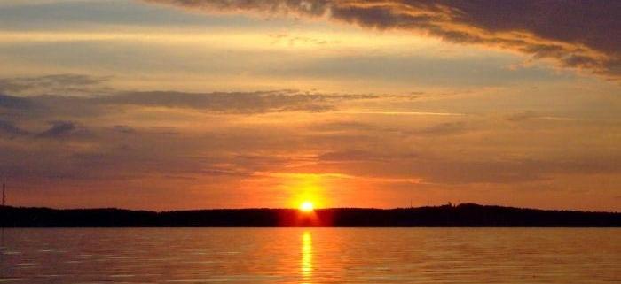 plaukimas laivu nidoje - saulės palydėjimas